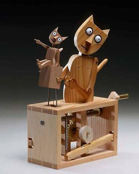 St Albans Museum + Gallery's Cabaret Mechanical Marvels exhibition includes The Barecats by Matt Smith and Paul Spooner.
