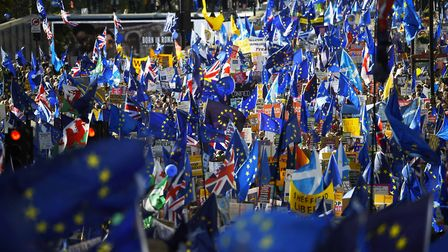 Crowds march through central London to fight against Brexit. (Photo by Peter Summers/Getty Images)