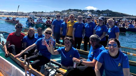 The two ladies crews after the final of the ladies' long race at the 2019 World Pilot Gig Championsh