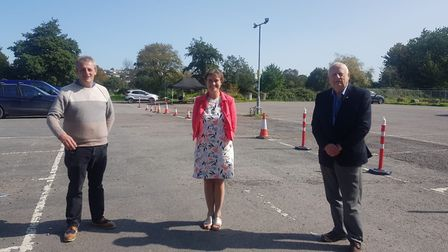 Selaine Saxby MP with councillors John Mathews and Frank Biederman at the Barnstaple Covid-19 testin