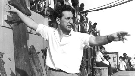 1950: Turkish-born film director Elia Kazan (1909 - 2003) directs a scene on the set of his film 'P