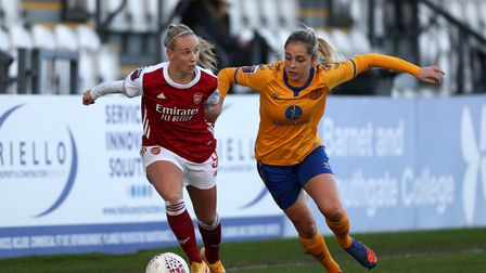 Arsenal's Beth Mead (left) and Everton's Poppy Pattinson battle for the ball during the FA Women's S