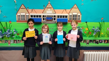 Pupils from Knebworth Primary School Create Christmas Cards for Lowe House Homeowners 1