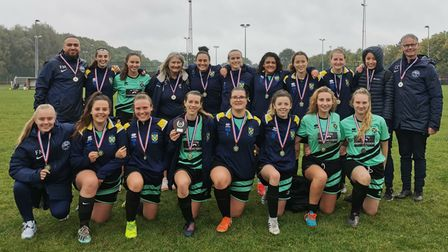 Oaklands Wolves Ladies Football Club team picture