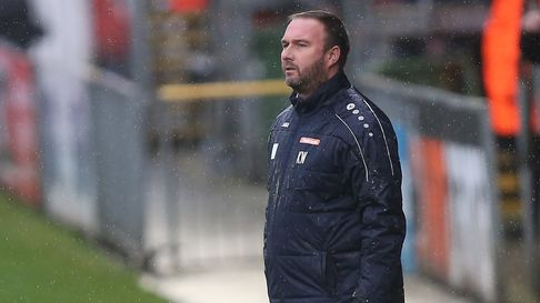 Ebbsfleet manager Kevin Watson during Dagenham & Redbridge vs Ebbsfleet United, Vanarama National Le