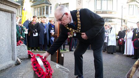 Sidmouth Remembrance day service. Ref shs 46 18TI 4727. Picture: Terry Ife