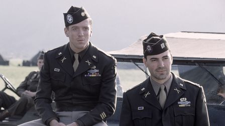 Damian Lewis as Richard D Winters andRon Livingstone as Lewis Nixon in the first episode of Band of Brothers.
