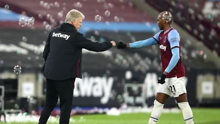 West Ham manager David Moyes and Angelo Ogbonna celebrate victory