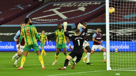 West Ham United's Jarrod Bowen scores his side's first goal of the game during the Premier League ma