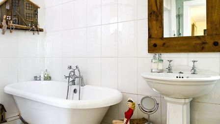 By extending and rearranging the upper floor, Jan was able to increase the bathroom to a comfortable