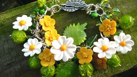 Summer daisies inspired this jewellery