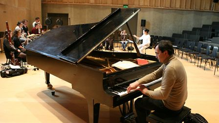 pierre-laurent aimard with britten pears orchestra, jamie man conductor