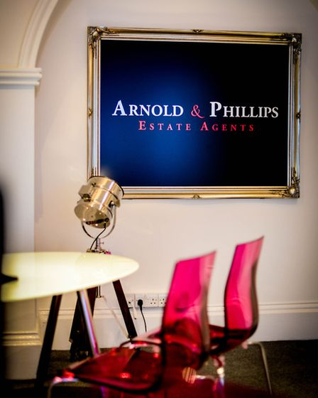 Arnold & Philips