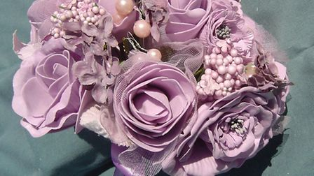 Should you choose artificial flowers for your wedding?