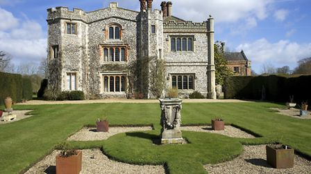 Mannington Hall and Gardens (Mark Bullimore) | Incredible stately homes and gardens in Norfolk you h