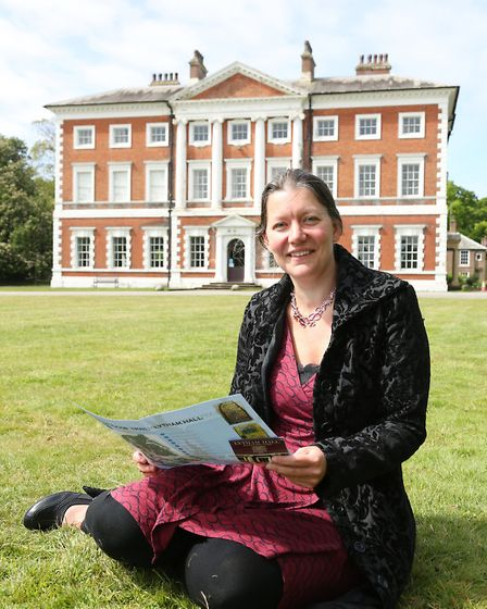 Marianne Blaauboer in front of Lytham Hall