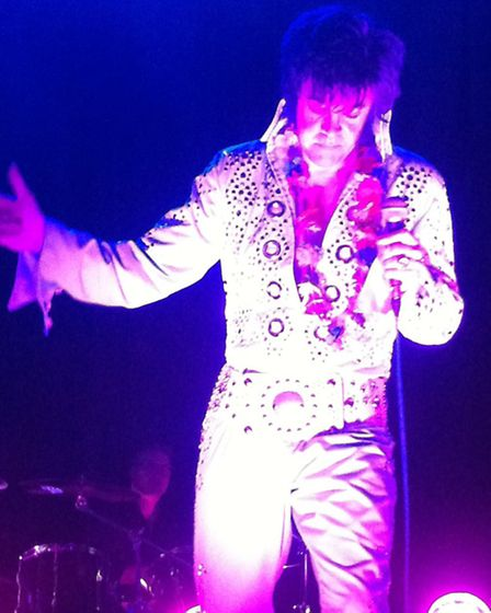 Mark Fitch performing as Elvis