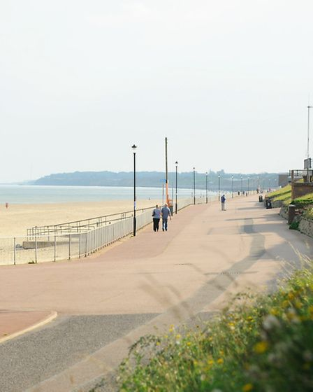 The view south along the promenade at Gorleston towards Hopton