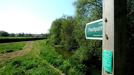 SUFFOLK GLOSSY - GIPPING VALLEY WALK; Following the picturesque River Gipping on a walk from Stowmar