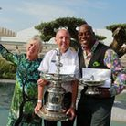 Ainsley Harriott and Carol Klein with Sandy McDonald of C.W. Berry, Leyland, in the 'Una veduta dell