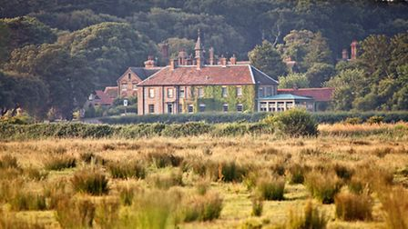 Situatied close to Holkham Beach, The Victoria is ideal retreat after walks along the coast