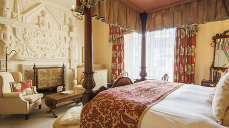 One of the four poster rooms
