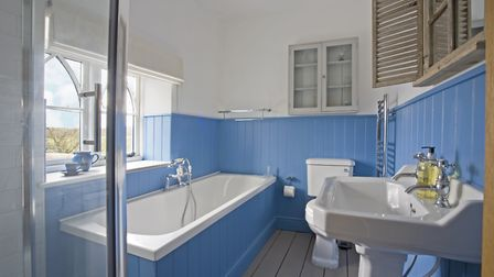 FAMILY BATHROOM: Suite from Howdens, blind by Ian Mankin