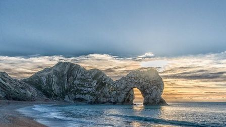 Durdle Door by Ben Cremin (creativecommons.org/licenses/by/2.0) via flic.kr/p/reAMxT