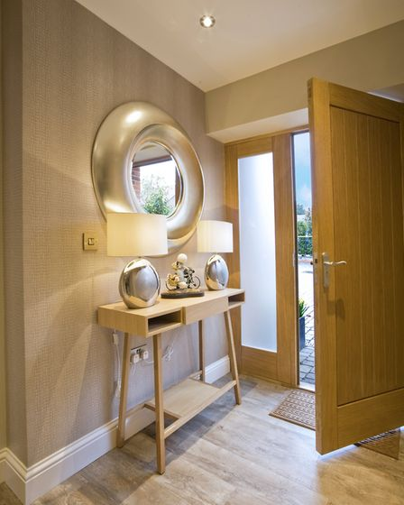 Console unit from Jointed & Jointed, mirror from R.V. Ashley Trade (photo: Tony Hall)