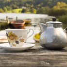 A lakeside brew (c) Vic Pigula/Getty Images/iStockphoto