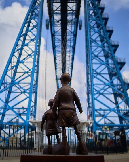 'Waiting for Me Dad' features Thorpe's bronze sculpture at the Transporter Bridge standing on the
