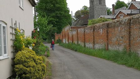 The quiet lanes of Bromeswell lead to St Edmunds church