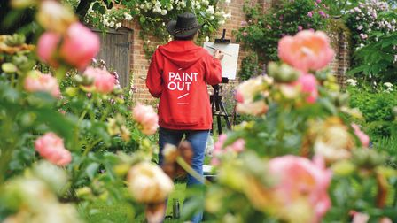 Artist Eleanor Alison painting plein air at Paint Out Elsing Hall Gardens (photo: supplied by Hostry