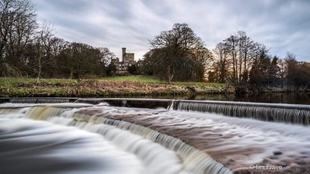 Hornby Castle by Les Fitton