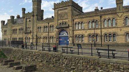 Castle Armoury, Bury by Robert Cutts (creativecommons.org/licenses/by-nc-nd/2.0) via https://flic.kr