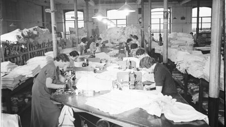 Bolton millworkers in the 1930s