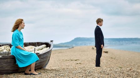 Saoirse Ronan and Billy Howle on location at Chesil Beach for the film On Chesil Beach (2017) Photo: