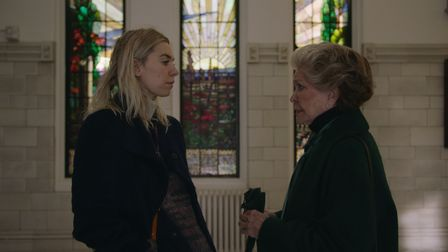 Vanessa Kirby as Martha and Ellen Burstyn as Elizabeth in Pieces of a Woman