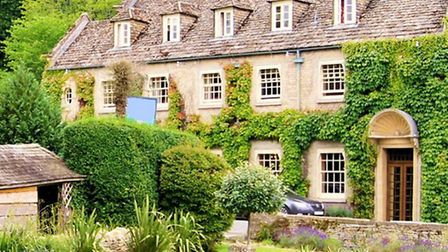 Cotswold Property Searchers offers a unique service to people looking to buy their dream house in th