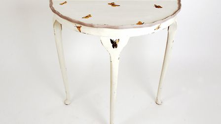 Butterfly hall table