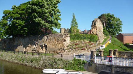 Tonbridge castle glimpsed from the Medway