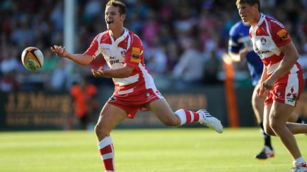 Billy Burns of Gloucester Rugby 7s passes during the J.P. Morgan Asset Management Premiership Rugby