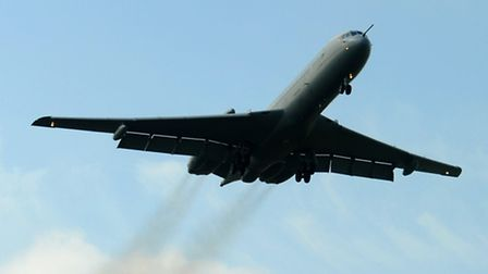 The lastt VC10 flying in from Brize Norton.