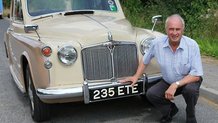 John Cumberlidge at Mold with his Rover P4 in Coffee & Cream