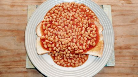 Beans on toast / Source: F7wiki - Wikimedia Commons