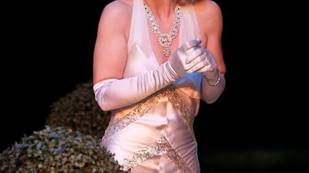 Imogen Stubbs as Amanda Prynne in Private Lives Photo by Jonathan Keenan