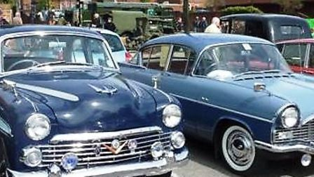 Classic cars drive into Farnham for charity event