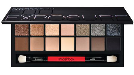 The new Smashbox Full Exposure Eye Palette not only includes an array of versatile colours but a gui