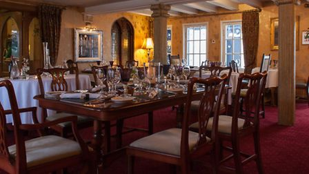 The smart dining room at the Horesshoe Inn