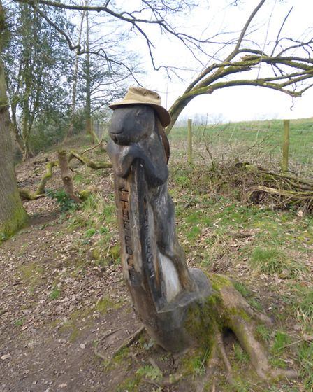 Tree carving of a hare